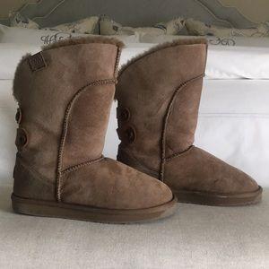 EMU boots, Size 8
